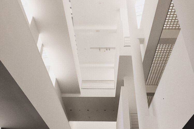 5 Ways How You Benefit From Having Suspended Ceilings in Bristol Office